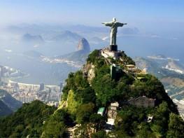 Voyager à l'extérieur de votre pays offre une occasion de comparer les autres grandes civilisations du monde moderne et ancien.